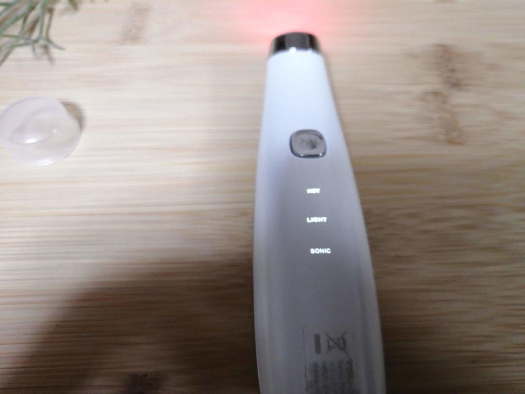 目元 美顔器 たるみ 赤色LED ハリ エステ 充電式 温熱 ソニック LED タッチビューティ リフトアップ メーカー公式 【送料無料】小じわ アップ クマ ほうれい線 毛穴 黒ずみ 角栓 口元ケア 光 日本語説明書 TOUCHBeauty TB-1662 音波振動